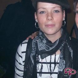 Girls Love Girls Member junebug is Lesbian and 31 years old