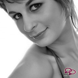 Girls Love Girls Member Elvora is Lesbian and 30 years old