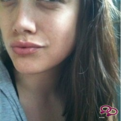 Girls Love Girls Utilisateur lunatisia is Lesbian and 31 years old