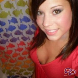 Girls Love Girls Member Michelleke01 is Straight and 30 years old