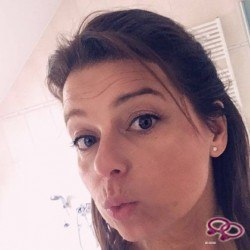 Girls Love Girls Member lilisa is Straight and 42 years old