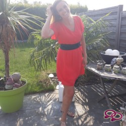 Girls Love Girls Member shelly is Bi-Curieus,  38 jaar oud en afkomstig uit  West-Vlaanderen