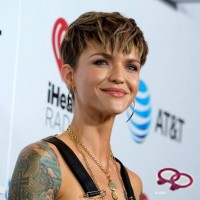 "Ruby Rose Will Play The First Ever Lesbian ""Batwoman"""