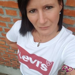 Girls Love Girls Member BeYou is Lesbian, 39 years old and comes from Belgium