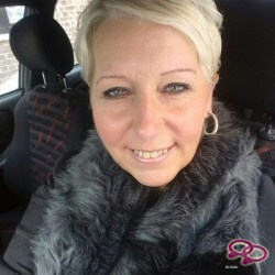 Girls Love Girls Member naathalie is Bi-Sexual, 44 years old and comes from Belgium